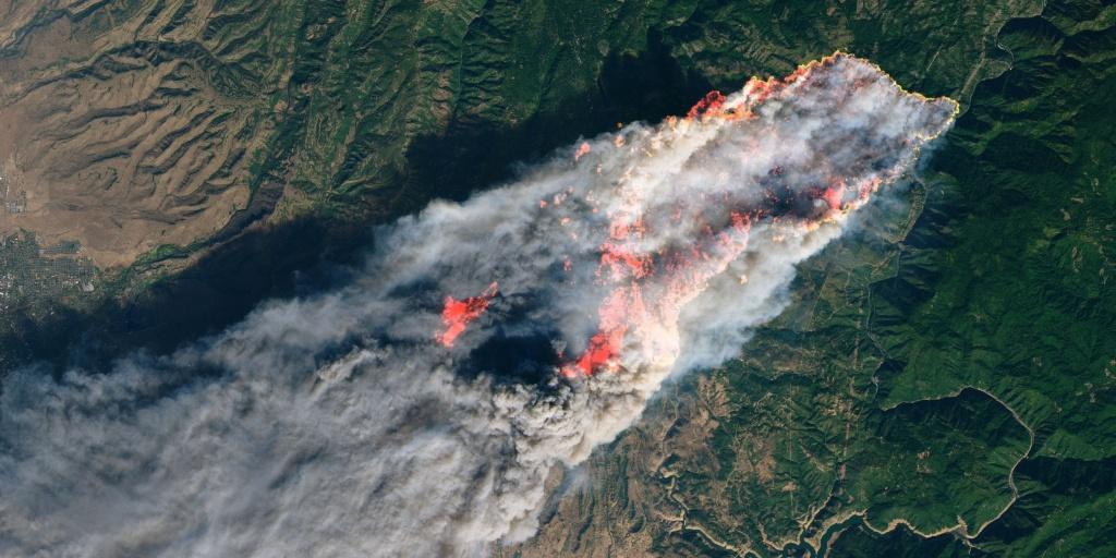 California Wildfires: Satellite Images Of Camp, Hill, Woolsey Fires - California Wildfire Satellite Map