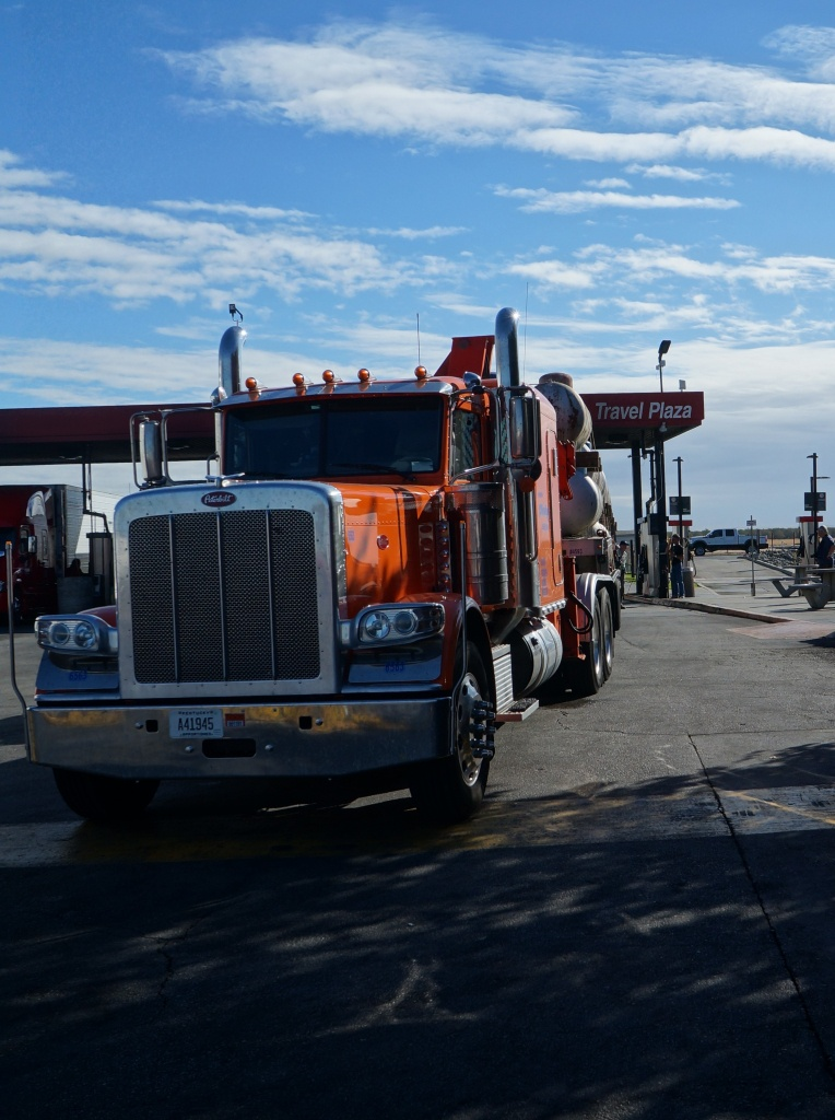 File:bakersfield, (Ca) Truck Peterbilt At Flying J Travel Plaza - Flying J California Map