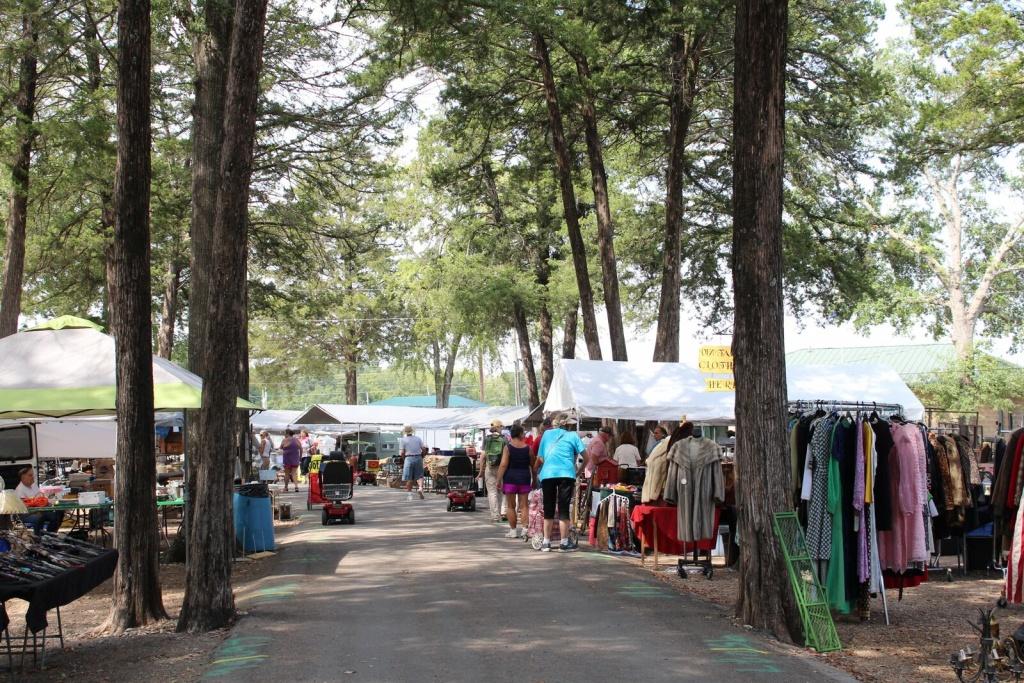 Shopping Guide: First Monday Trade Days | Flea Style - Canton Texas Flea Market Map